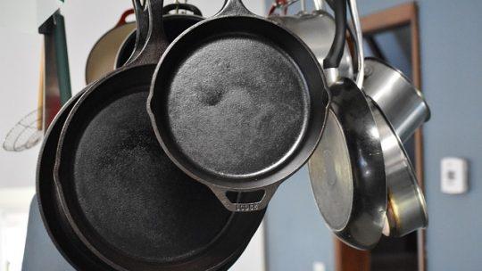 A rozsdamentes acél edények látványa különleges