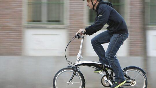 Összecsukható kerékpárok a tömegközlekedéssel vegyítve